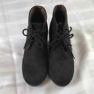 Shoes - Black boot wedges